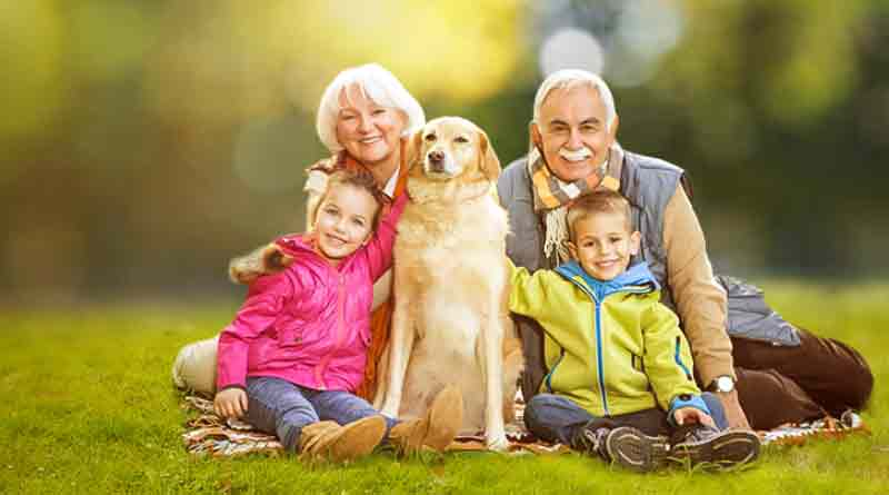 Пенсионеры с внуками